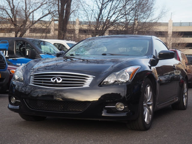 Certified Pre-Owned 2015 INFINITI Q60 Base